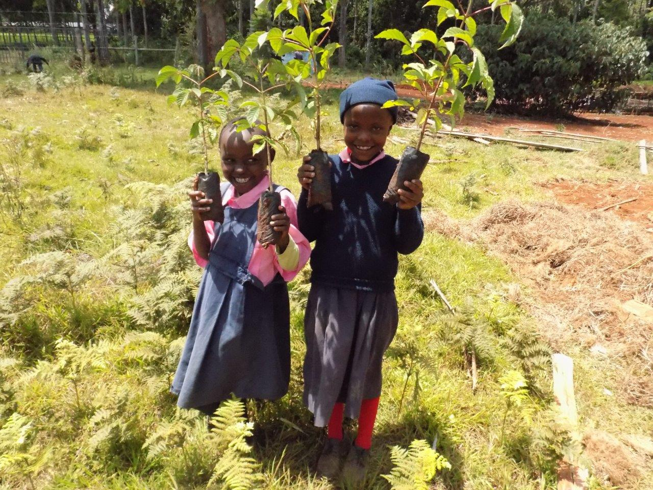 ITF Children with seedlings