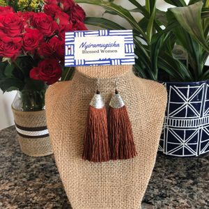 Tasseled Earrings: Brown