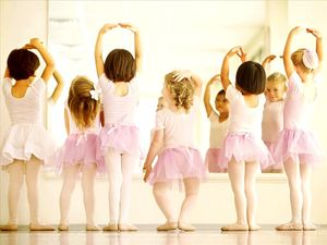 Beginning Ballet 1 – Ages 6-9 years