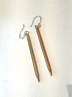 Old Blood Inlay Bar Earring