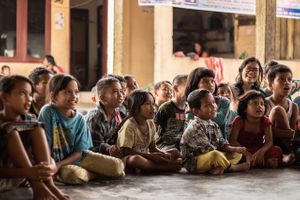 Dreams For Life & 1000 Guru supporting SUMBA Children - Giving The Gift of Yearly Education
