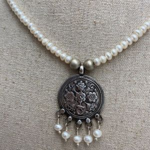 Pearl/Silver Necklace